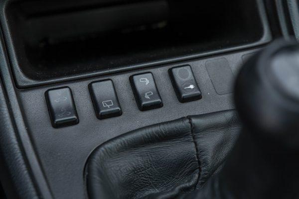 porsche-944-turbo-19