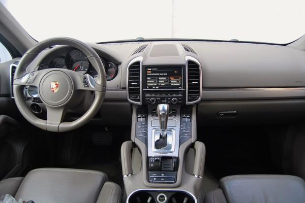 Porsche-Cayenne-15