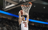 Kaleb Tarczewski of Arizona in action. Photo by Arizona Athletics