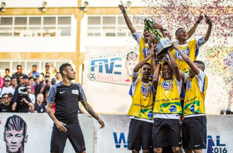 Team Brazil Rio celebrate during the Neymar Jr's Five World Final  in Praia Grande, Sao Paulo, Brazil on July 09, 2016 // Fabio Piva/Red Bull Content Pool // P-20160710-00134 // Usage for editorial use only // Please go to www.redbullcontentpool.com for further information. //