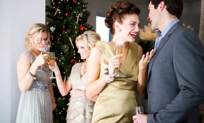 holiday-conversation-tip-idea-talk-visit-social-party-topic-personal-spry