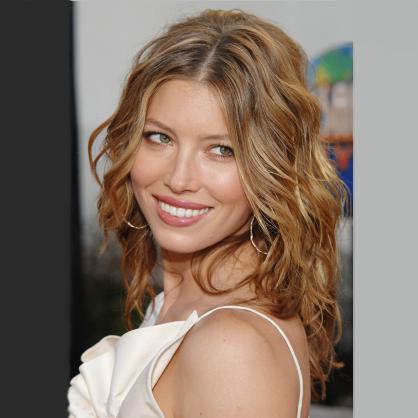 jessica-biel-feminine-pretty-curls-best-style-cut-thin-hair-body-volume-beauty-spry