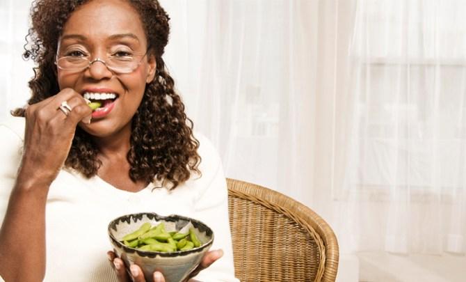 Slow-Snack-Edamame-Shrimp-Pistachios-Health-Food-Spry