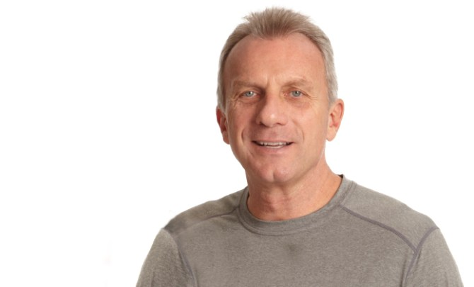 Joe Montana talks about his football career and injuries.