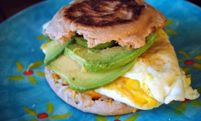 avocado-egg-breakfast-sandwich