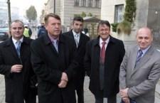 Срби не узимајте косовска документа