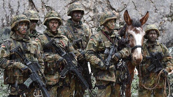 Меркелова: Немачка шаље трупе на границу са Русијом