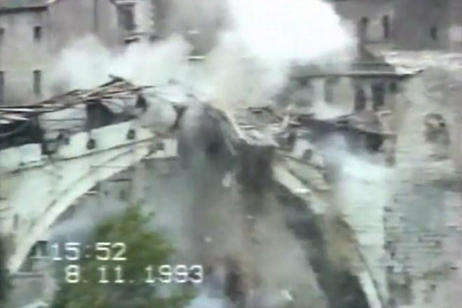 Рушење Старог моста