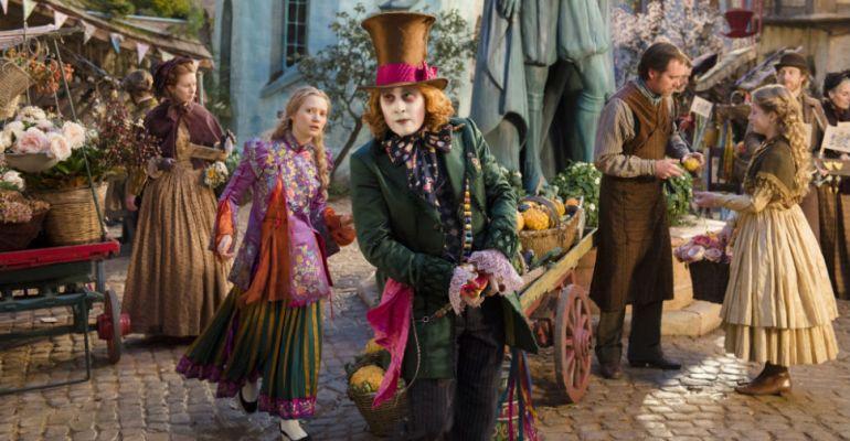 חדש בקולנוע: ״אליס בארץ המראה״ של ג׳יימס בובין