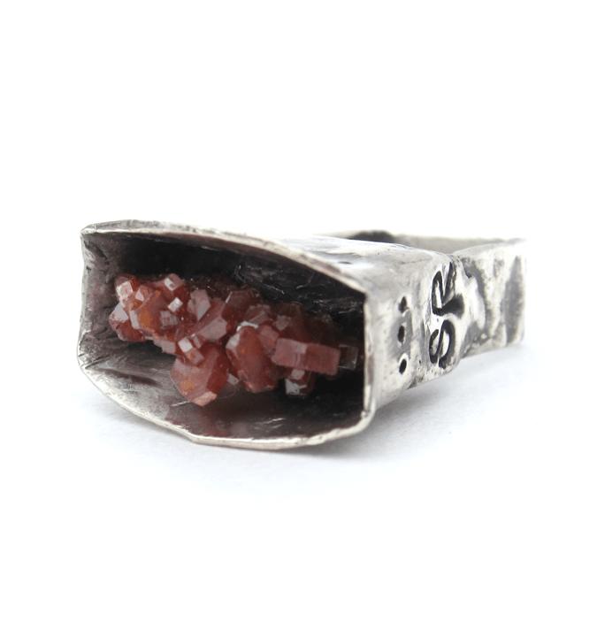 SRitterNYC_raw-vanadinite-tall_silver-ring_7_front