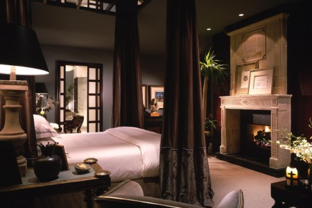 traditional bedroom