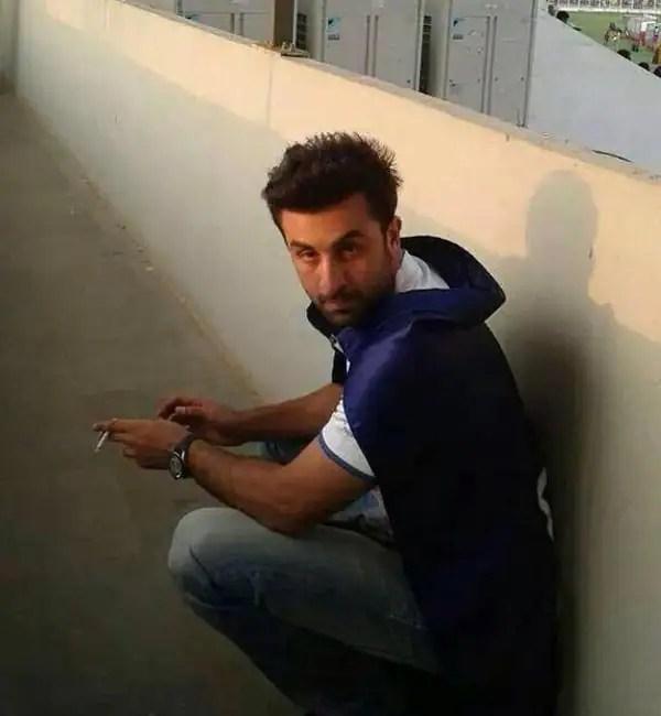 Ranbir Kapoor Caught Smoking