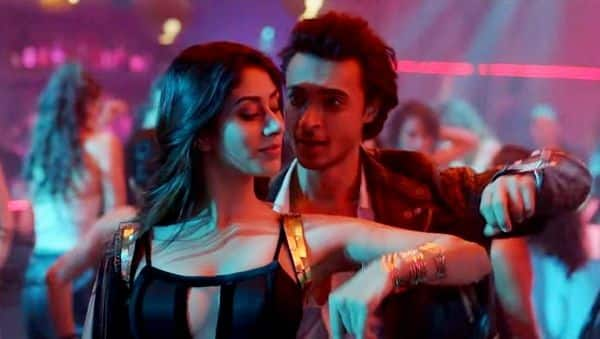 Loveratri song Akh Lad Jaave  Aayush Sharma and Warina Hussain s     Loveratri song Akh Lad Jaave  Aayush Sharma and Warina Hussain s peppy  dance track will get you grooving   watch video   Bollywoodlife com