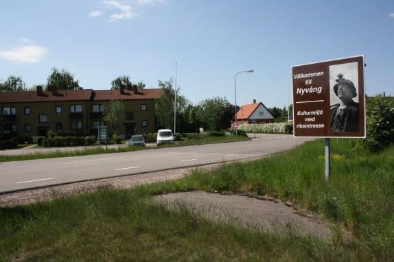 Välkommen till Nyvång - Kulturmiljö med riksintresse (Foto: Ulf Liljankoski)