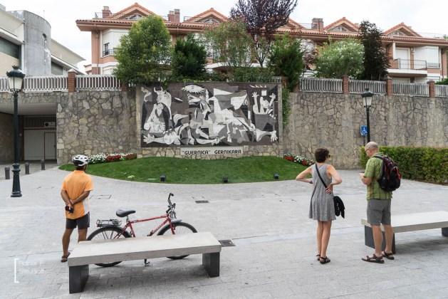 "Kopie von Pablo Pcassos Bild ""Guernica"" in der Pedro de Elejalde Kalea"
