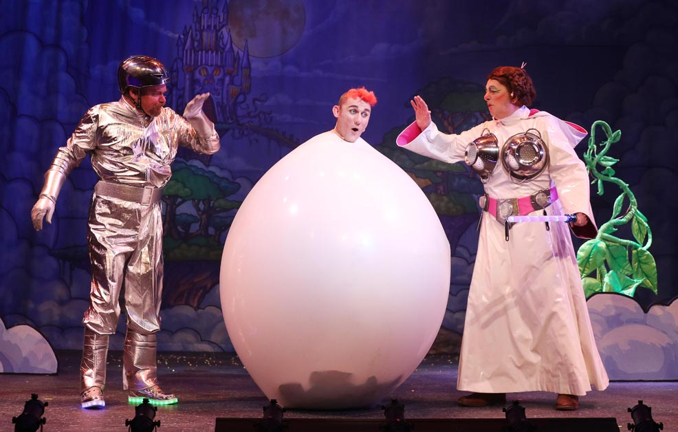 JACK AND THE BEANSTALK at the Everyman, Cheltenham