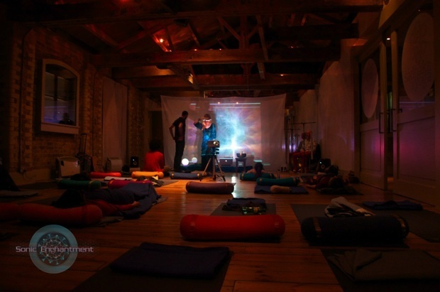 I Went To A Sound Bath To Cure My Tinnitus, And It Made Me Feel 3
