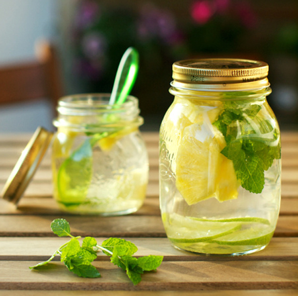 pineapple_mint_water_detox
