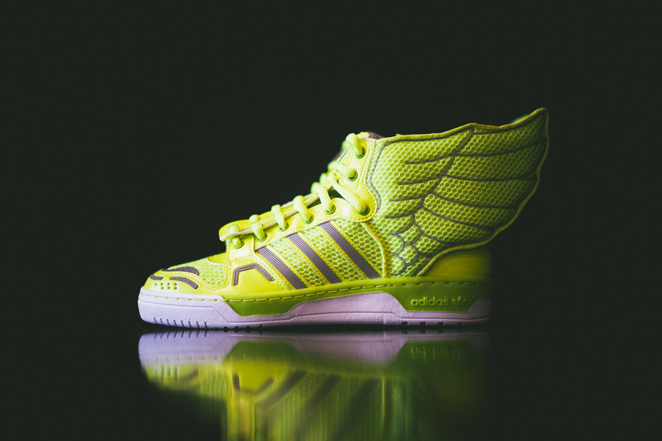 COP NOW: adidas Originals by Jeremy Scott Mesh Wings 2.0 Electric
