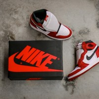 "Air Jordan 1 Retro High OG ""Chicago"" Release Reminder"