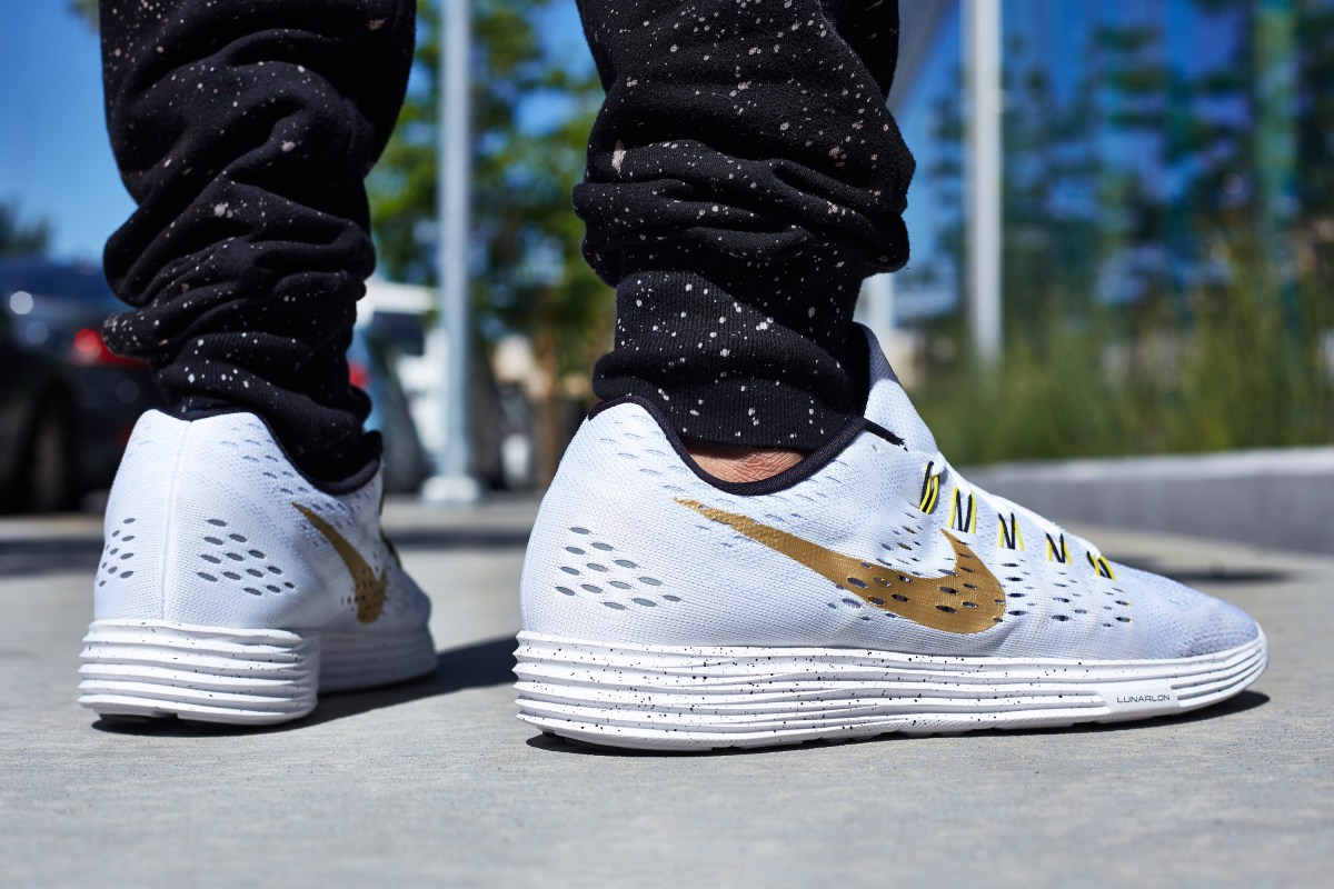 ON-FOOT LOOK // NIKE LUNARTEMPO WHITE/GOLD