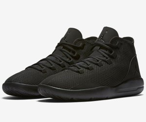 jordan-reveal-triple-black
