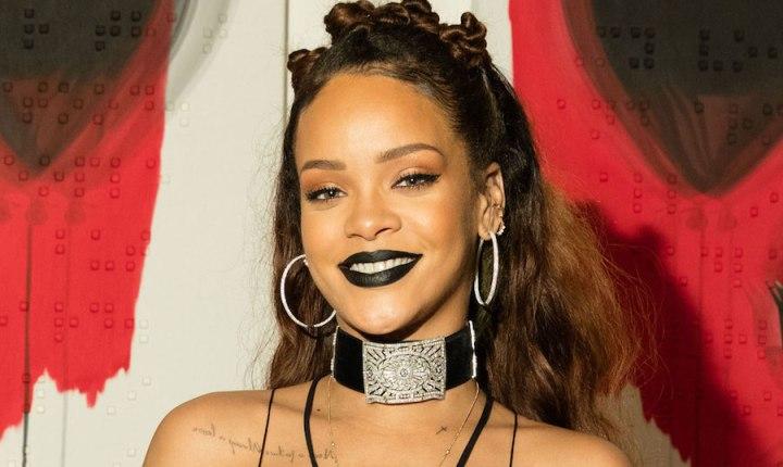 Rihanna New Album ANTI Went Platinum In Half A Day