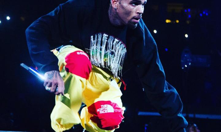 Chris Brown Gets YouTube Diamond Play Button Award