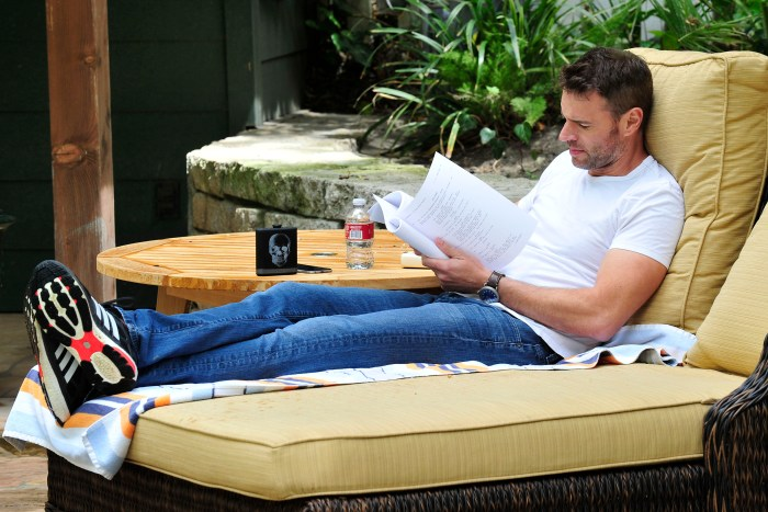 Scott Foley Reading a Script