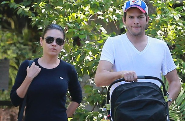 Exclusive... Mila Kunis & Ashton Kutcher Visit Some Friends With Baby Wyatt **NO WEB USE W/O PRIOR AGREEMENT**