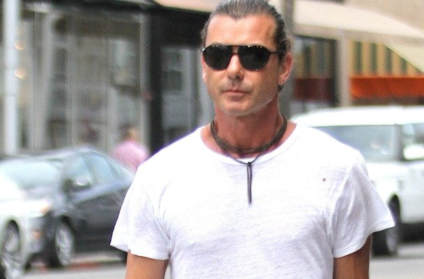 EXCLUSIVE: **PREMIUM RATES APPLY**Gavin Rossdale with a friend takes his dog out shopping in Beverly Hills, CA.  Pictured: Gavin Rossdale  Ref: SPL1094219  030815   EXCLUSIVE Picture by: Splashnews  Splash News and Pictures Los Angeles:310-821-2666 New York:212-619-2666 London:870-934-2666 photodesk@splashnews.com