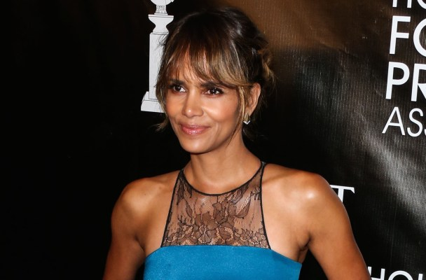 BEVERLY HILLS, LOS ANGELES, CA, USA - AUGUST 13: Actress Halle Berry arrives at the Hollywood Foreign Press Association Grants Banquet Dinner 2015 held at The Beverly Wilshire Hotel on August 13, 2015 in Beverly Hills, Los Angeles, California, United States. (Photo by Xavier Collin/Image Press)  Pictured: Halle Berry Ref: SPL1102448  130815   Picture by: Xavier Collin/Image Press  Splash News and Pictures Los Angeles:	310-821-2666 New York:	212-619-2666 London:	870-934-2666 photodesk@splashnews.com