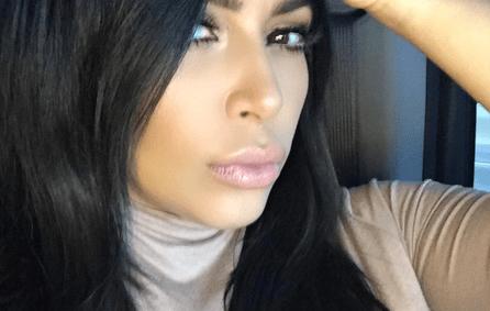 kim-kardashians-selfie-hillary-clinton