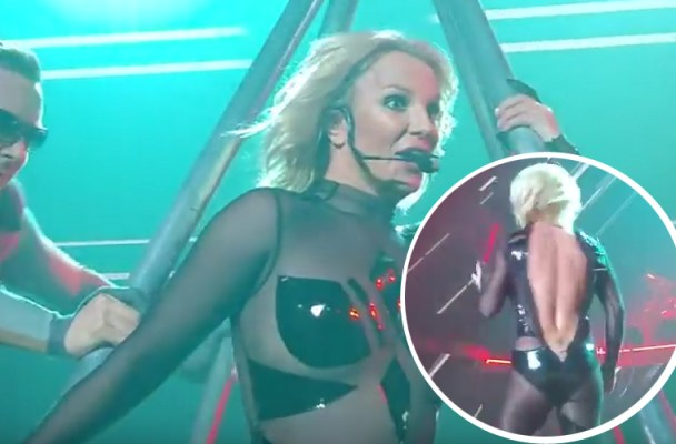 britney-spears-wardrobe-malfunction-costume-breaks-feature