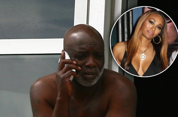 Peter Thomas the husband of Cynthia Bailey of the TV show 'The Real Housewives of Atlanta' spent the weekend in a Miami hotel without his wife Cynthia. Peter was seen hanging out on his hotel balcony. Peter was also seen paying for the cab fare of two unidentified females arriving to the hotel with luggage. Peter was not photographed with the women but was seen talking to them by name from his balcony the next day, while the women were on the way to the beach. After a day in the sun the two women headed back to the hotel before going out shopping, the two made stops at several stores including Victoria's Secret where they made a purchase before heading back to the hotel for the night.   Pictured: Peter Thomas  Ref: SPL359648  120212   Picture by: Momo / Juan Garces / Splash News  Splash News and Pictures Los Angeles:310-821-2666 New York:212-619-2666 London:870-934-2666 photodesk@splashnews.com