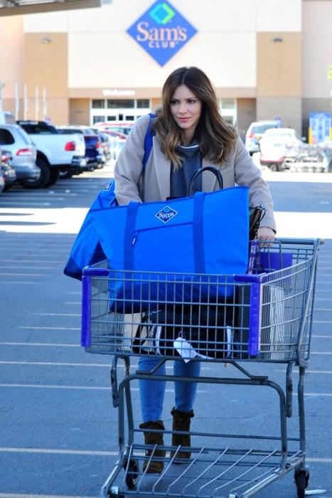 Katharine McPhee Spotted ShoppingatSamsClub