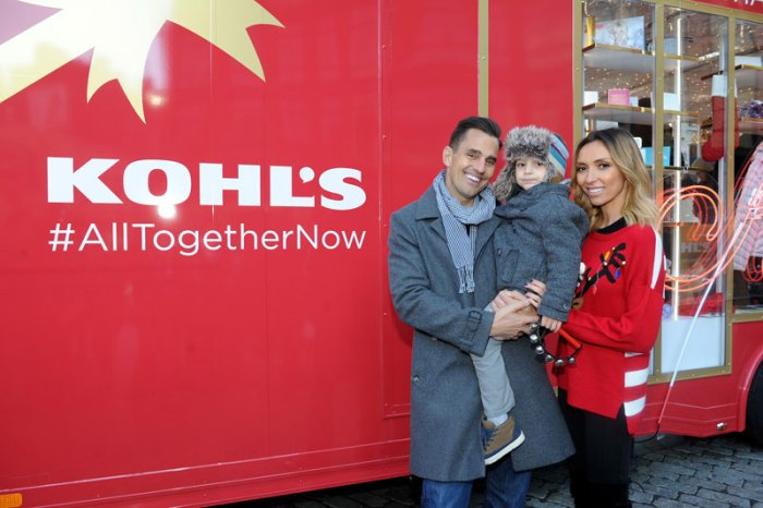 family-enjoys-the-Kohls-Holiday-Storybooth-Pop-Up