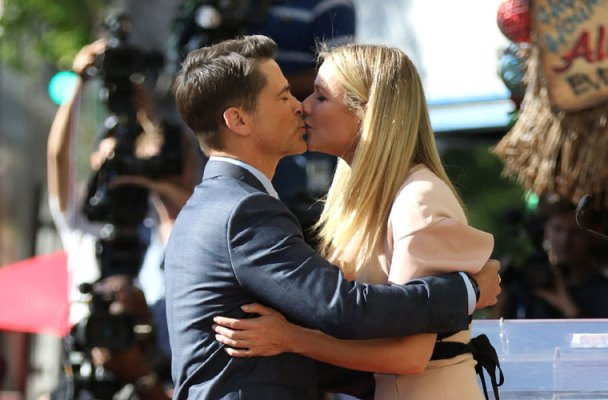 rob lowe kisses gwyneth paltrow