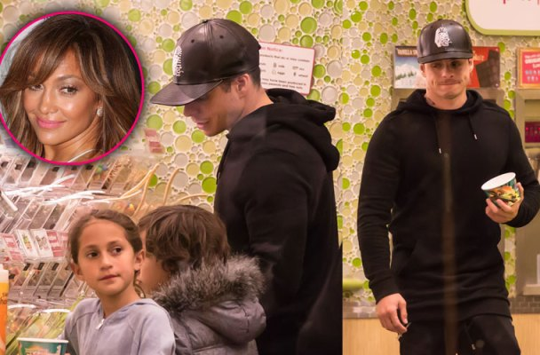 jennifer-lopez-boyfriend-casper-smart-takes-children-frozen-yogurt-01