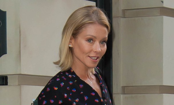 kelly-ripa-returns-after-michael-strahan-departure-announcement