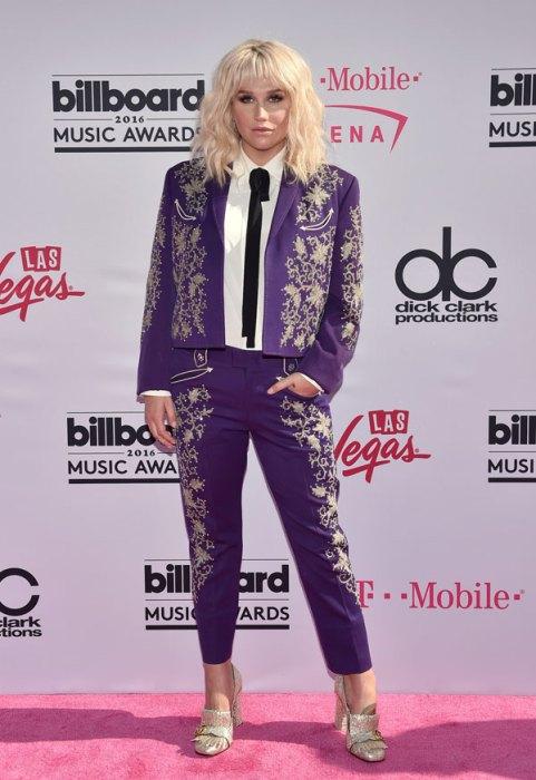 best-worst-dressed-billboard-awards-red-carpet-pics-06