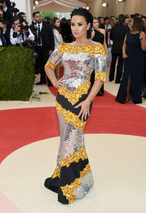 met-gala-2016-red-carpet-fashion-best-worst-pics-39
