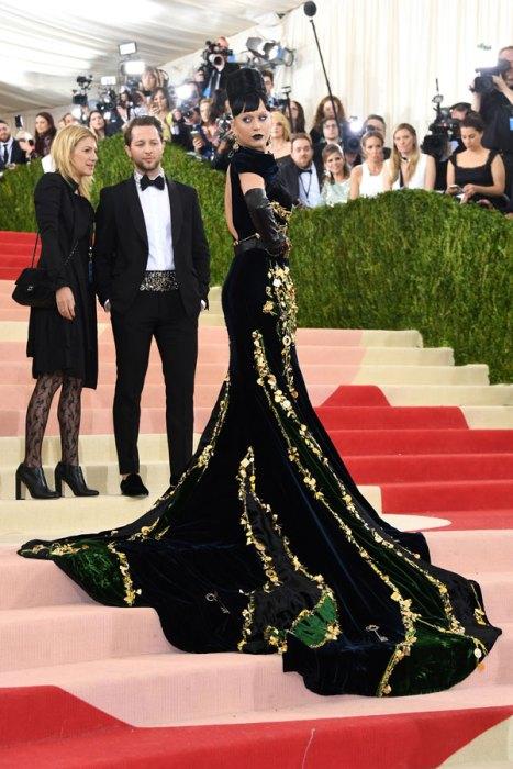met-gala-2016-red-carpet-fashion-best-worst-pics-50