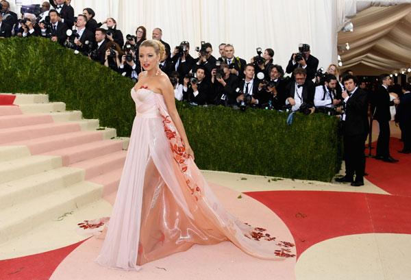 met-gala-2016-red-carpet-fashion-best-worst-pics-52