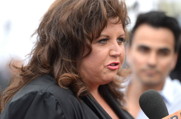 abby-lee-miller-bankruptcy-fraud-dance-moms-plead-guilty-02