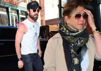 Jennifer Aniston Pregnant Justin Theroux Pics 1