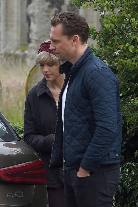 taylor-swift-tom-hiddleston-mom-england-hiddleswift-pics-8