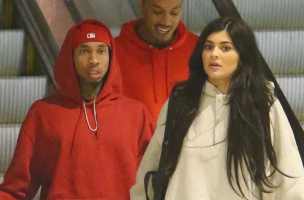 EXCLUSIVE: **PREMIUM RATES APPLY** Kylie Jenner and Tyga are spotted holding hands as they leave a movie theatre in Los Angeles.   Pictured: Kylie Jenner, Tyga Ref: SPL1312162  020716   EXCLUSIVE Picture by: Bello / TwisT / Splash News  Splash News and Pictures Los Angeles:310-821-2666 New York:212-619-2666 London:870-934-2666 photodesk@splashnews.com