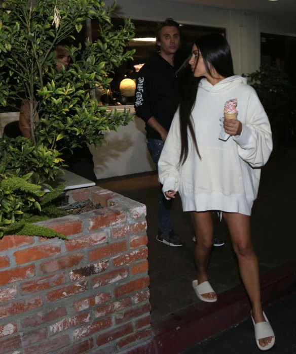 kim-kardashian-first-photos-paris-robbery-froyo-thinner-pics-6