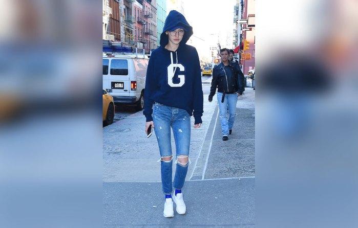 Gigi Hadid dresses down for a visit to BlickArtMaterials